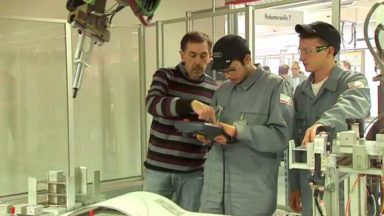 Forest : des Bruxellois formés chez Audi pour la fabrication d'un SUV 100% électrique