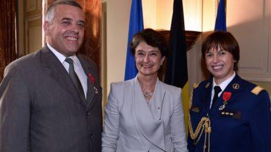 La France décerne une légion d'honneur aux chefs de la police fédérale belge