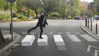 Schaerbeek : un passage pour piétons effet 3D pour faire ralentir les voitures