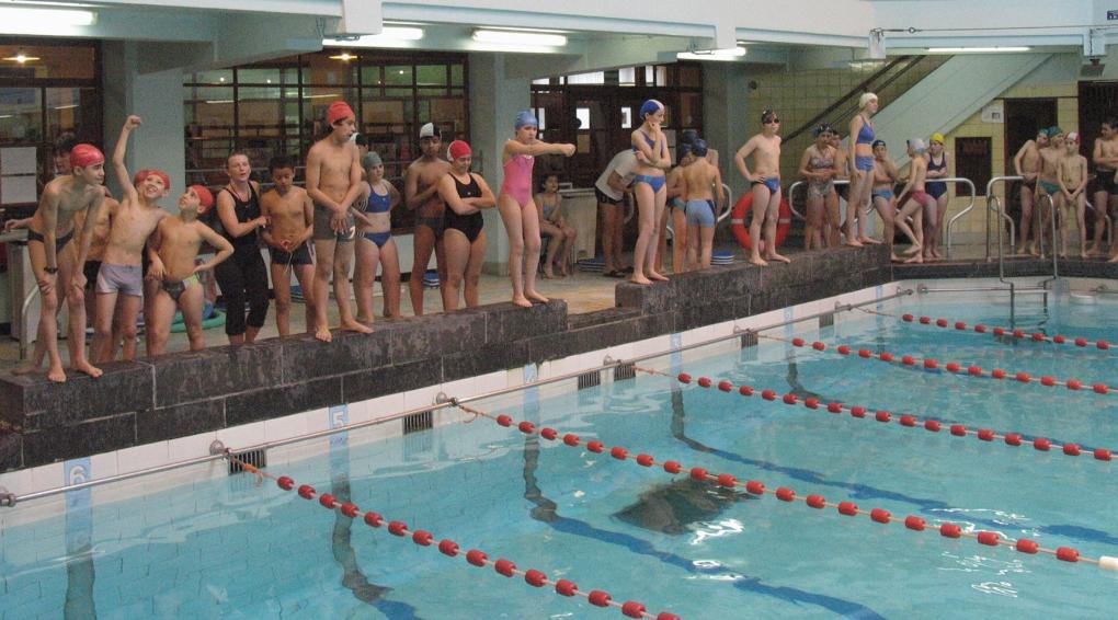 Saint gilles la r ouverture de la piscine victor boin for Piscine avranches horaires