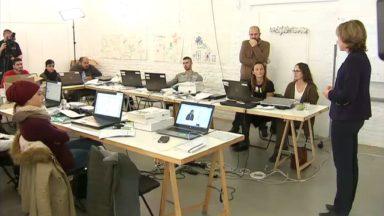 Dominique Leroy, la PDG de Proximus, a donné cours à des jeunes sans emploi à Schaerbeek
