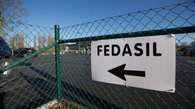 Fedasil met à la rue une famille avec deux jeunes enfants, dénonce une ASBL