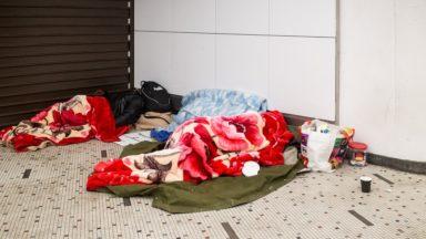 """""""Des familles avec enfants dorment encore dans la rue à Bruxelles"""""""