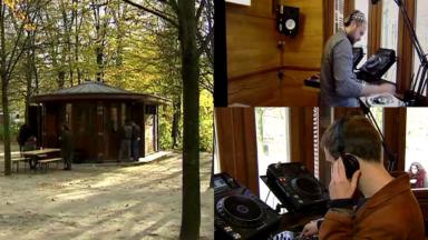 Kiosk Radio : la nouvelle webradio qui diffuse depuis un kiosk du Parc de Bruxelles