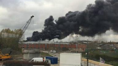 Incendie à l'usine Milcamps : presque toutes les mesures de confinement levées