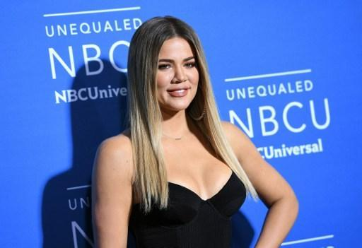 Khloé Kardashian annonce officiellement sa grossesse