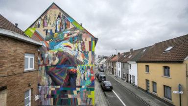 Neder-Over-Heembeek : l'artiste Égyptien Ammar réalise la première fresque du quartier