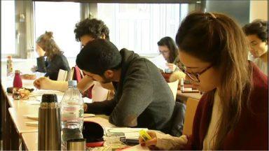 UCL : des classes mises à disposition des étudiants pour préparer les examens