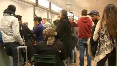 Intempéries : des passagers devront encore passer une nuit à l'aéroport