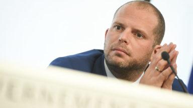 Décès de Mawda: Francken ne dit mot d'une régularisation des parents