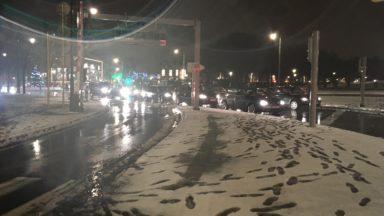 Météo : neige fondante et pluie traversent le pays