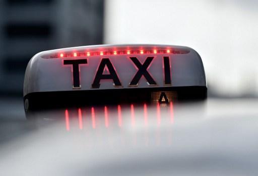 Ivre, il prend un taxi et traverse trois pays pour 1800 euros — Nouvel an