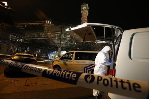 Les policiers ouvrent le feu sur un homme armé de couteau à la gare de Gand — Belgique