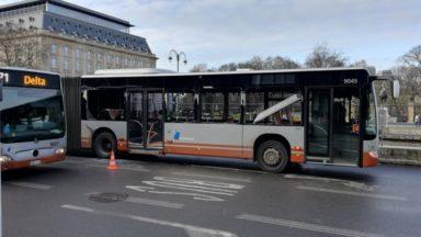 Collision entre deux bus à Trône : deux personnes légèrement blessées
