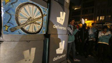 Les coursiers de Deliveroo poursuivent leurs actions : 40% refusent toujours de devenir indépendant
