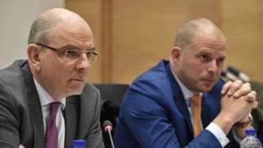 """Visites domiciliaires : """"L'exception humanitaire n'est pas remise en cause"""", assurent Francken et Geens"""