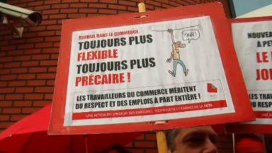 Auderghem : près de 200 personnes protestent contre les flexi-jobs devant le siège de Comeos