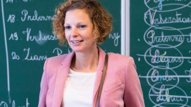 Voici les grilles-horaires que Marie-Martine Schyns propose du maternel au secondaire