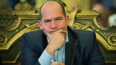 Bruxelles : Philippe Close souhaite le maintien des militaires près des lieux sensibles