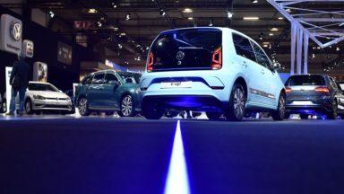 """Salon de l'auto : un """"petit"""" salon qui continue à attirer en dépit de la tendance européenne à la baisse"""