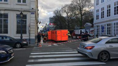 Le cabinet de Theo Francken évacué : une enveloppe de poudre blanche et une balle retrouvées