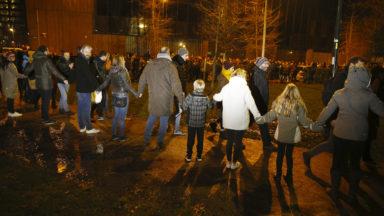 Chaîne humaine au parc Maximilien et à la gare du Nord : plus de 3.000 personnes mobilisées