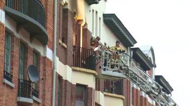 Incendie du Foyer Schaerbeekois : un an après, des habitants protestent