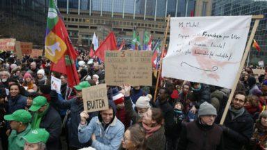 Plus de 6.500 personnes manifestent à Bruxelles pour la démission de Theo Francken