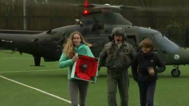 """Commémorations de 14-18 : l'hélicoptère """"Poppy Flight"""" a atterri à Watermael-Boitsfort"""