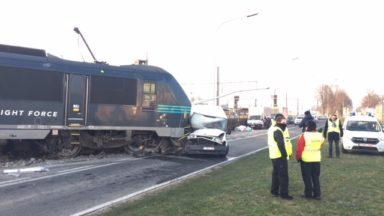 Schaerbeek  : le train qui avait partiellement déraillé a été remis sur les rails