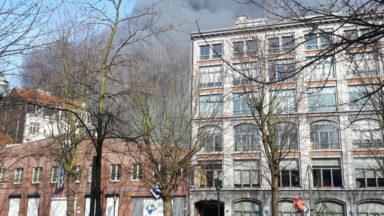 Incendie dans un dépôt : l'exploitant du magasin intoxiqué et non un squatteur