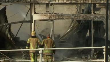 Incendie dans un dépôt à Molenbeek : la piste criminelle est privilégiée