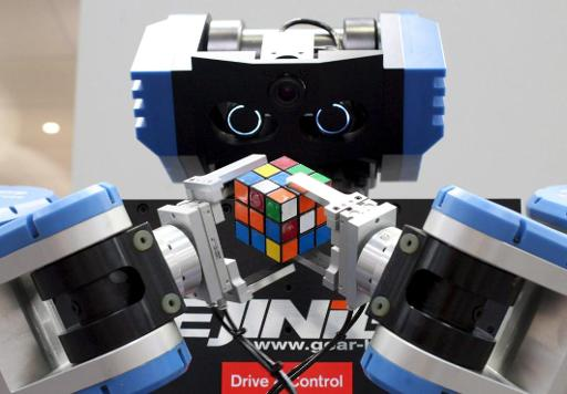 Regardez ce robot résoudre un cube de Rubik en 0,38 seconde