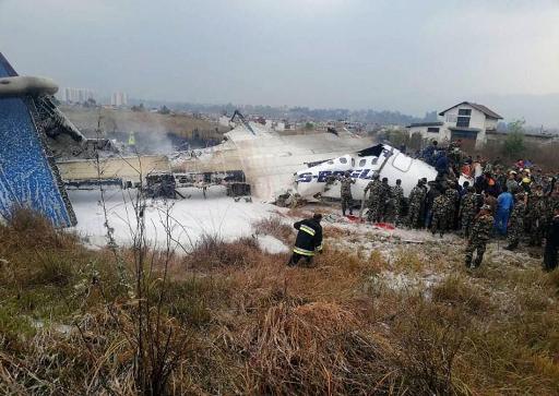 Népal: un avion de ligne bangladais s'écrase à Katmandou