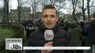 """Inauguration du """"Cruyff Court Molenbeek"""" : terrain de sport pour exhorter au respect et à l'esprit d'équipe"""