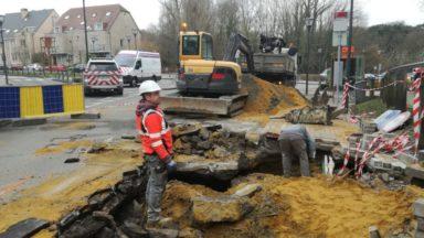 Woluwe-Saint-Lambert : la chaussée de Stockel toujours fermée suite à une fuite d'eau