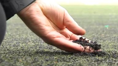 Des terrains synthétiques cancérigènes ? Fadila Laanan veut recenser les pelouses concernées