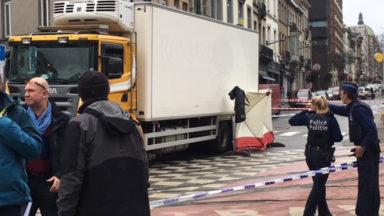 Une piétonne mortellement percutée par un camion sur la place Liedts