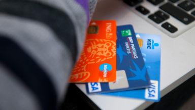 Pourquoi y a-t-il des frais bancaires supplémentaires depuis le 1er janvier? Réponse dans #M