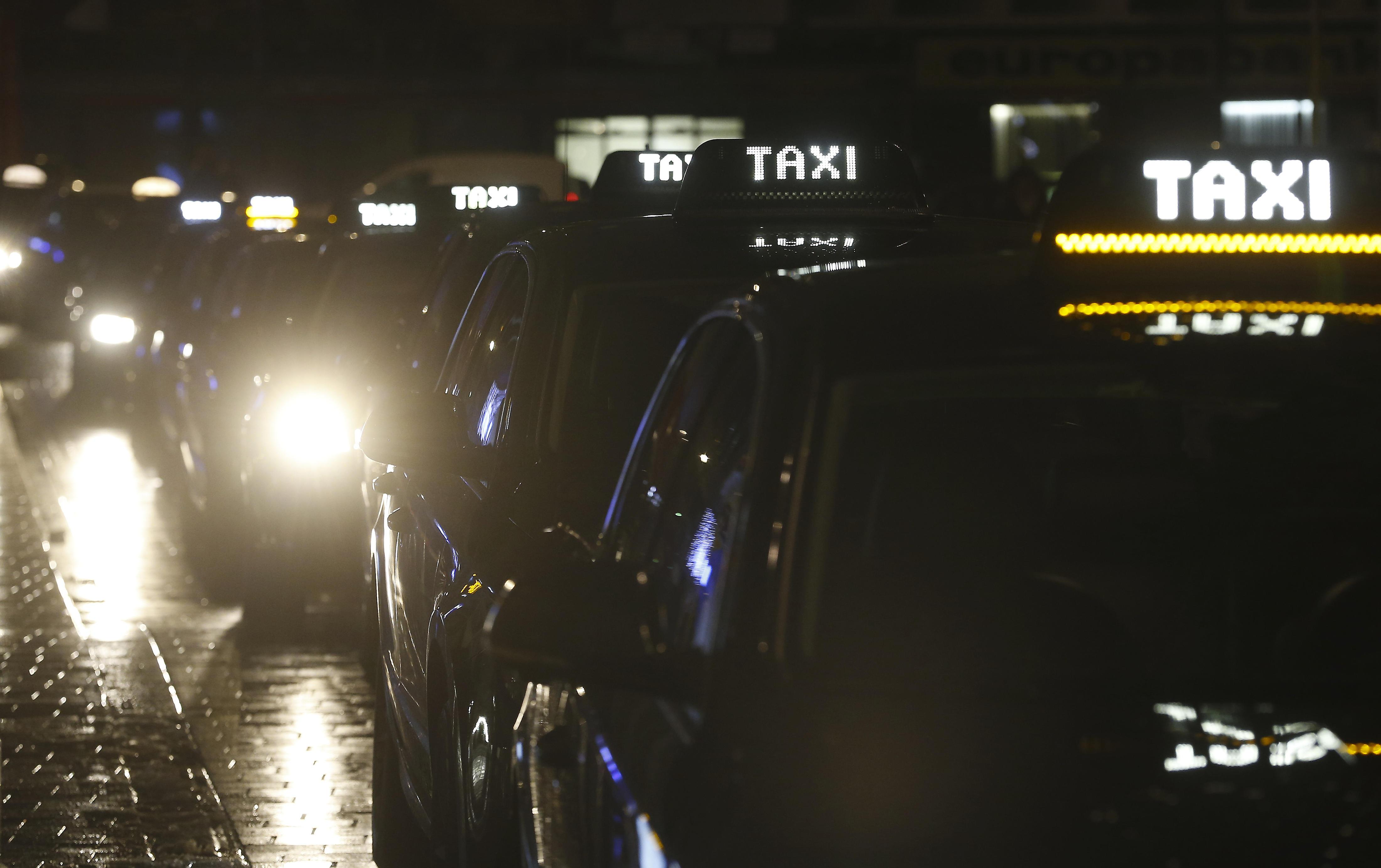 Les taxis en colère bloquent la ville — Bruxelles