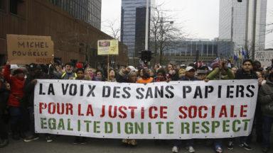 Une centaine de sans-papiers en passe de se retrouver à la rue ce samedi à Bruxelles