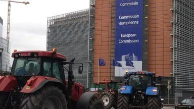 """Éleveurs et agriculteurs manifesteront """"avec plusieurs dizaines de tracteurs"""" lundi à Bruxelles"""