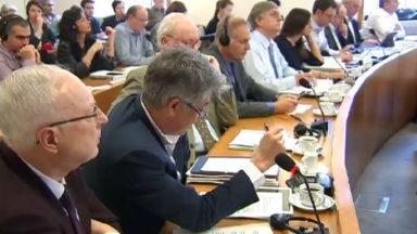 Parlement bruxellois : accord au forcing sur le décumul intégral