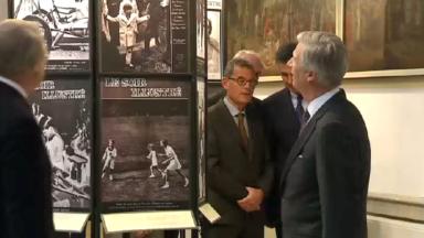 Le Roi Philippe inaugure l'exposition Soir Mag sur la monarchie