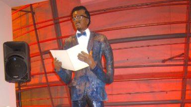 Une statue itinérante de Patrice Lumumba installée au théâtre flamand KVS