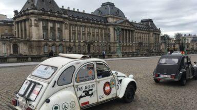 Une parade de Citroën 2CV a traversé Bruxelles