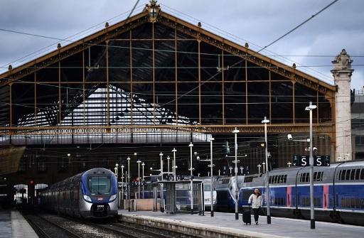 SNCF : au quatrième jour de grève, Elisabeth Borne défend une réforme « impérative »