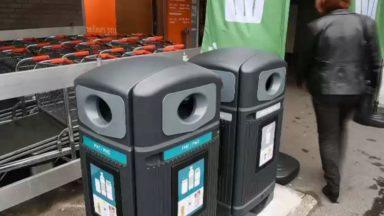 Colruyt va équiper 220 parkings de magasin de nouvelles poubelles pour lutter contre les déchets sauvages