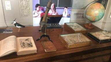 """""""Engage-toi!"""": l'exposition qui retrace l'histoire des écoles publiques à la bibliothèque de Laeken"""