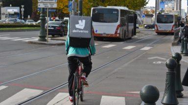 La majorité des livreurs de repas à vélo à Bruxelles seraient sans-papiers